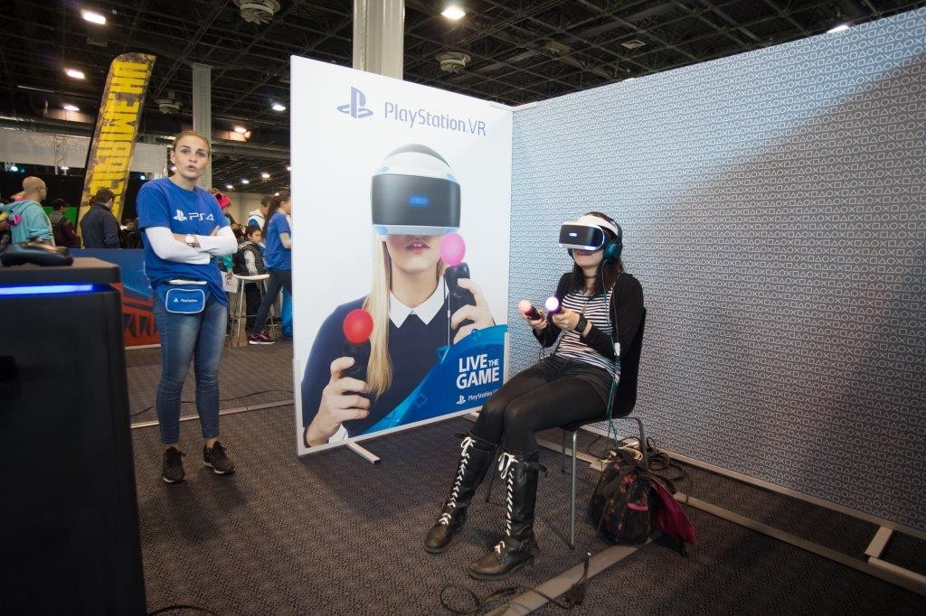 gabriel_playstationVR_2016_autumn08